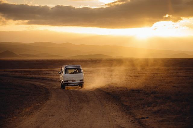 Wyjazdy międzynarodowe czy musimy jeździć prywatnym samochodem?
